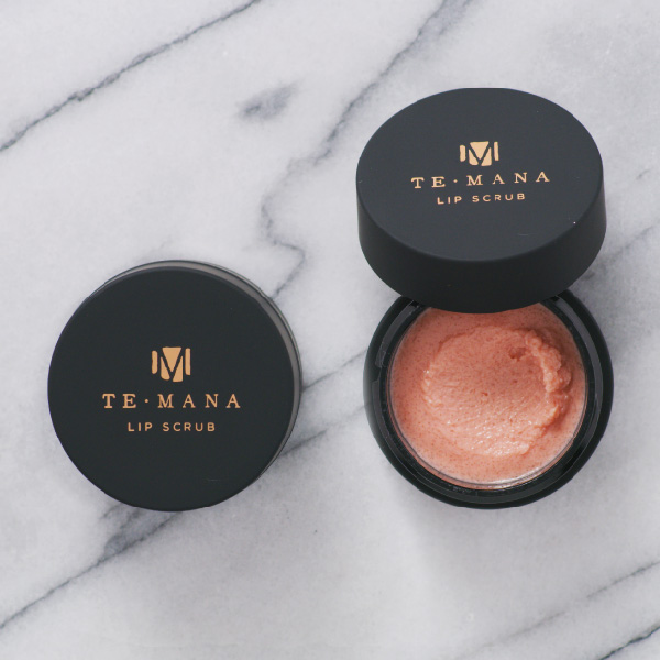 L'exfoliant TeMana Lip Scrub Photo