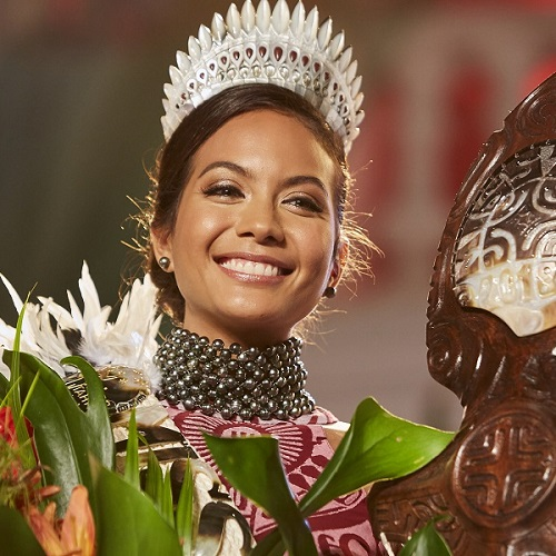 Meet Vaimalama Chaves, Miss Tahiti 2018! article image